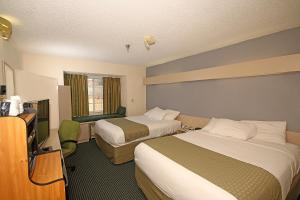 Superior Queen Room with Two Queen Beds - Disability Access - Non-Smoking