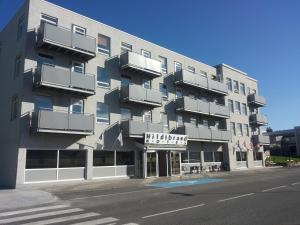 Photo of Hildibrand Apartment Hotel
