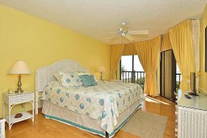 Two-Bedroom Apartment (6 Guests) - Beach Front