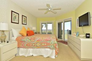Two-Bedroom Apartment (4 Guests) - Beach Front