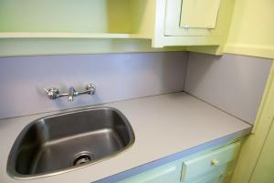 Micro Double Room with Sink (with Shared Bathroom)