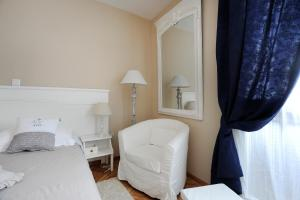 Dimora Tinel Rooms Old City Center, Zara