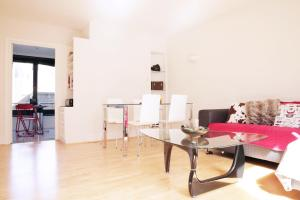 Quiet, Central Covent Garden 2-Bed Home
