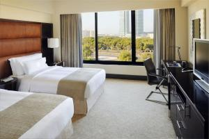 Club Twin Room with Lounge Access with City View