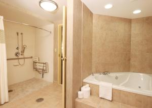 King Room with Sofa Bed and Spa Bath