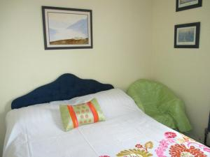 Angela's Bed & Breakfast, Bed & Breakfasts  Galway - big - 3