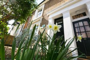 Rose Cottage Bed & Breakfast in London, Greater London, England
