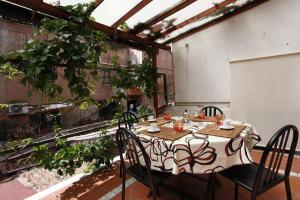 Citiesreference - Trastevere Two Bedroom Apartment - abcRoma.com
