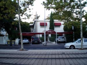 Photo of Hotel Les Troenes