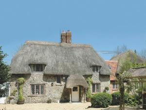 Tollgate Cottage in Ogbourne Saint George, Wiltshire, England