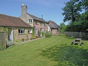 Garden Cottage in Bishops Caundle, Dorset, England
