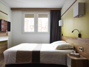 Double Room - Large Bed