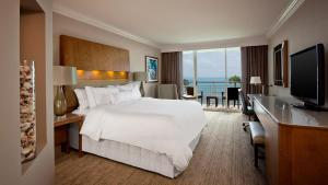 Premium King Room with Ocean View
