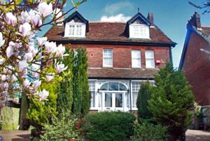 Salisbury House B & B in Dover, Kent, England