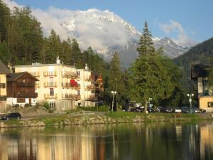Photo of Apartment Le Grand Combins Champex Lac