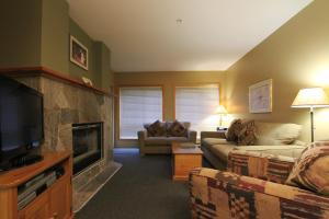 One-Bedroom Suite - Den, Powderhorn