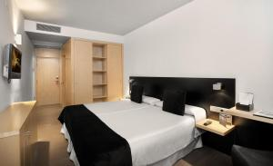 Twin Room (1-2 Adults)
