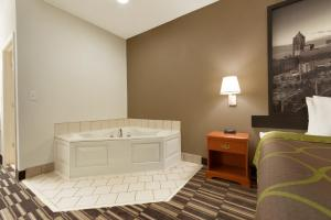 Superior King Room with Spa Bath-  Non-Smoking