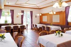 Hotel Landgasthof Gschwendtner, Hotels  Allershausen - big - 10