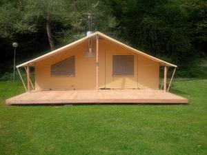 Camping Colline de Rabais, Campsites  Virton - big - 17