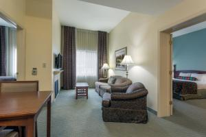 Two-Bedroom Suite with Bath Tub - Disability Access