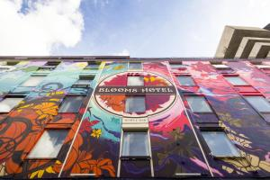 Photo of Blooms Hotel