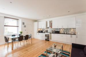 Camden Square Apartment in London, Greater London, England