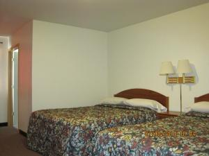 Deluxe Room with Two Queen Beds