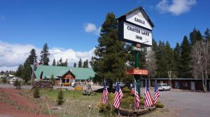 Photo of Eagle Crater Lake Inn