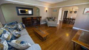 Photo of We Ho Vintage Apartment Rental #7