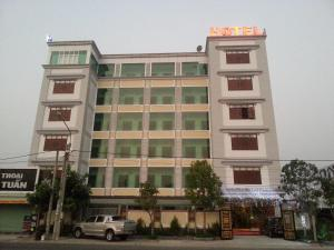 Photo of Au Lac Hotel