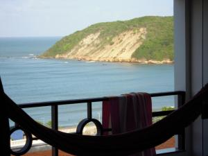 One-Bedroom Apartment with kitchen, Balcony and Sea View – 58m²