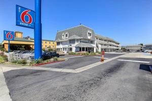 Photo of Motel 6 Oakland Airport
