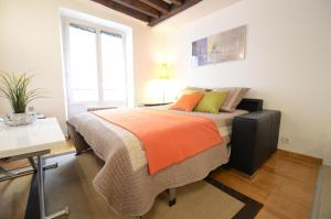 Friendly Rentals Marais Charm Apartment