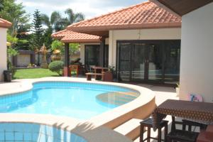 Villa South Pattaya Beachfront