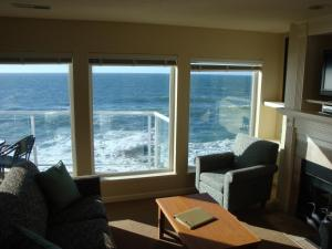 Two-Bedroom King Suite with Ocean View