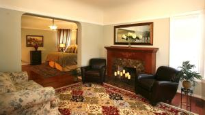 Large King Suite