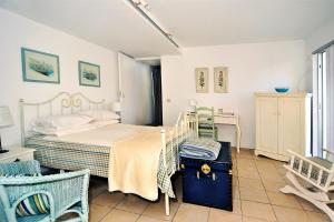 Deluxe Double Room with Lake View (Boathouse Suite)