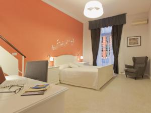 Bed and Breakfast B&B A Un Passo Da, Naples