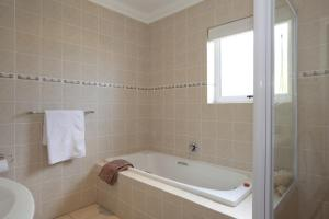 Luxury Double or Twin Room with Sea View - English