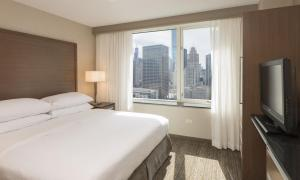 Premium King Suite - City View