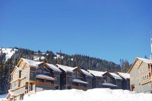 Snow Ridge by Apex Accommodations