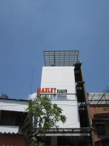 Photo of Maxley Hotel