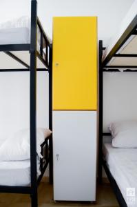 Bunk Bed in Mixed Dormitory Room with 10 Beds