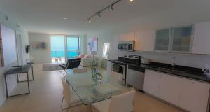 Deluxe One-Bedroom Apartment with Ocean View