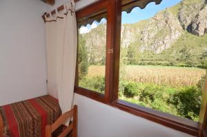 Triple Room with Private Bathroom with Mountain View