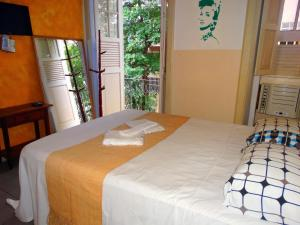 Double Room with Cable and AC
