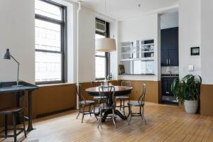 Two-Bedroom Apartment - Leonard Loft