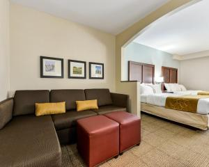 Queen Suite with Two Queen Beds and Partial Room Divider