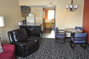 Deluxe Suite with Two Double Beds - Non-Smoking - Ground Floor